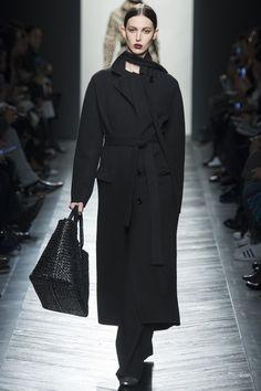 Bottega Veneta Fall 2016 Ready-to-Wear Fashion Show - Ruby Aldridge