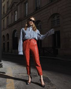 30 Work Outfits That Will Always Look Chic in the Office | Who What Wear UK Red Trousers Outfit, Red Leather Trousers, Trousers Fashion, Fashion Boots, Women's Fashion, Make Skinny Jeans, Slim Fit Skirts, Beige Suits, Office Outfits Women