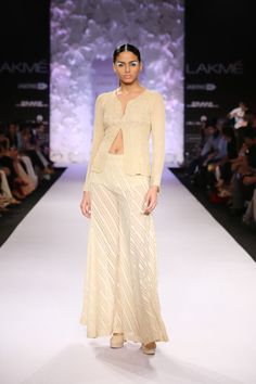 Shop from an exclusive range of luxurious wedding dresses & bridal wear by Anita Dongre. Bring home hand-embroidered wedding wear in colors inspired by nature. Luxury Wedding Dress, Indian Wedding Outfits, Lakme Fashion Week, Flare Pants, Indian Bridal, Indian Fashion, Bridal Dresses, Anita Dongre, Blog Pictures
