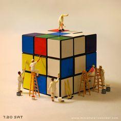 """Painting cube"" http://miniature-calendar.com/130720/"