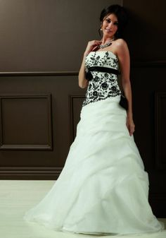 Sylvia Rose - Joanie Wedding dress