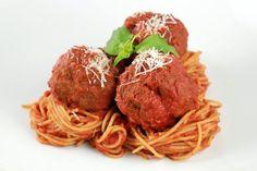 Italian Meatball Recipe   jessicagavin.com  #food #recipes #blog #drink