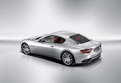 However you look at it, the Maserati GranTurismo expresses dynamic tension and a sporty edge.