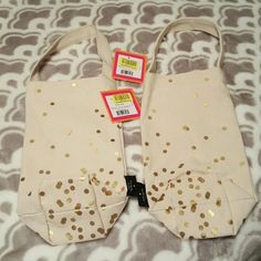 Price ⬇• NWT Kate Spade♤ wine totes (2) • NWT kate spade wine totes, two will be sold in listing, together. Cream material with gold dots with kate spade tag. Authentic! Bought at dillards, you can see the proof of purchase tag. kate spade Accessories