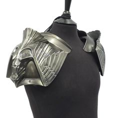 Fantasy Eagle design polyurethane resin shoulder armour for larp, film, tv, cosplay and theatre Larp Armor, Cosplay Armor, Knight Armor, Medieval Armor, Medieval Fantasy, Ice Armor, Armadura Medieval, Skyrim, Grandeur Nature