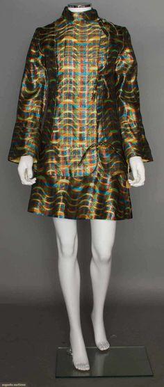 DressApple Boutique, 1968Augusta Auctions