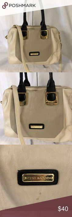 Steve Madden crossbody Looks elegant,has gentle used with minimal dirt inside and front area. Steve Madden Bags Crossbody Bags