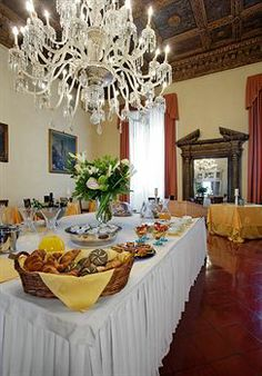 10 best luxury suites in florence images luxury suites florence rh pinterest com