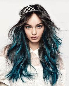 Luma Grothe photographed by Kenneth Willardt for L'Oréal Paris Colorista Hair by Stephane Lancien, makeup by Charlotte Willer. makeup colorista What OUTFIT you would wear today. Spring Hairstyles, Cool Hairstyles, Hair Inspo, Hair Inspiration, Hair Care Oil, Loreal Hair, Turquoise Hair, Hair Care Routine, Grunge Hair