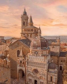 Traditionalist Western Art on Gold Aesthetic, City Aesthetic, Travel Aesthetic, Building Aesthetic, Summer Aesthetic, Beautiful Architecture, Art And Architecture, Ancient Architecture, Western Art
