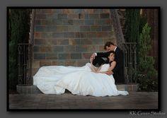 Romantic bride and groom photo ideas. So cute <3 Gershon Bachus Vintners, Temecula