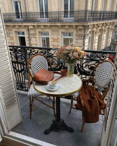 French Balcony, Balcony Chairs, Design Your Own Home, French Cafe, French Style, Parisian Apartment, Balcony Design, Balcony Ideas, Outdoor Furniture Sets