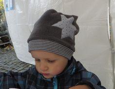 Mützen - Winter-Beanie - Mütze aus Fleece Stern grau - ein Designerstück von stoff-schaetze bei DaWanda