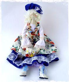 Текстильная кукла ручной работы ,сделана под заказ . Игривая девочка выполнена в стиле бохо ,модная озорная .Будет прекрасным дополнением вашему интерьеру,а также удивительным необычным подарком ! Каждая девочка будет счастлива иметь такую подругу. Возможно повторение образа под ваше цветовое пожелание .