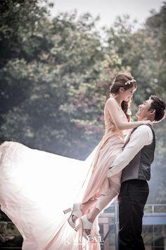 蘿亞手工婚紗Royal handmade wedding dress 婚紗攝影 婚禮攝影 Wedding Tips, Hong Kong, Wedding Planner, Wedding Dresses, Fashion, Marriage Tips, Wedding Planer, Bride Dresses, Moda