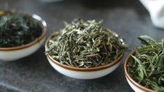 Loose Jasmine Green Tea: Jasmine Tea Steeping Temperature & Brewing Time Jasmine Green Tea, Tea Mugs, How To Dry Basil, Brewing, Tea Time, Tea Cups, High Tea