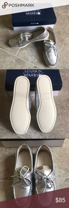 Sperry Top-sider A/O greige/silver piping women New. No trade no lowball. Ship without the original box. Color: silver Sperry Top-Sider Shoes Flats & Loafers