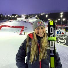 Lindsey Vonn - víťazka pretekov Svetového pohára v obrovskom slalome v Aare ( 12. 12. 2015 )