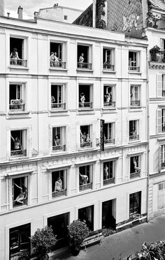 Set in a former brothel in Pigalle, Hotel Amour is one of those low-key Paris hotspots that gets whispered from one style setter to the next .Hotel Amour in Paris, France Ventana Windows, Old Photos, Vintage Photos, Pigalle Paris, Saint Georges, Foto Real, Red Light District, Das Hotel, Belle Epoque