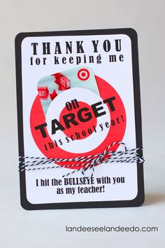 I think my teacher friends would agree. Teacher Gift Idea: Printable Target Gift Card Holder // a teacher appreciation gift a teacher would actually want! Cute Gifts, Diy Gifts, Handmade Gifts, Funny Gifts, Diy Spring, Teacher Treats, Teacher Presents, Teacher Cards, Swim Teacher Gifts