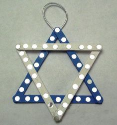 Hanukkah                                                                                                                                                                                 More Feliz Hanukkah, Hanukkah Crafts, Jewish Crafts, Hanukkah Decorations, Christmas Hanukkah, Hannukah, Happy Hanukkah, Christmas Art, Holiday Crafts
