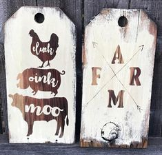 Farmhouse Door Tags rustic decor Cluck Oink Moo Chicken Pig Cow white wash shabby chic entry way farm arrows Cocina Shabby Chic, Shabby Chic Farmhouse, Shabby Chic Kitchen, Shabby Chic Style, Shabby Chic Homes, Shabby Chic Decor, Rustic Decor, Farmhouse Decor, Farmhouse Signs