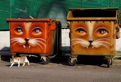 Why can't Graffiti be like Graffiti animals on trash bins only? Wish some of the talented graffiti artists would lean THIS DIRECTION. Cats from Berlin, Germany. 3d Street Art, Amazing Street Art, Street Art Graffiti, Graffiti Artists, Urbane Kunst, Sidewalk Art, Art Brut, Outdoor Art, Chalk Art