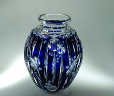 Val St Lambert Vase ADP7 1926 Catalogue Cristaux de Fantaisie - Vase cristal clair doublé bleu.