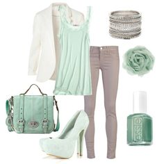 Gorgeous mint green Outfit for a Light Summer