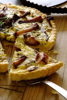 Caramelised Onion and Blue Cheese Quiche: serve this impressive quiche with crispy potato wedges and a fresh green salad as a light alfresco dinner!