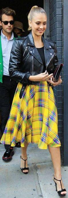 Jessica Alba Style & Hairstyle - Nicoletta Reggio Fashion Blogger by Scent Of Obsession