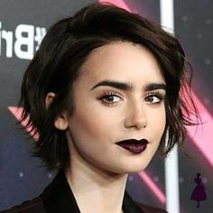 Medium, Beachy Waves with Ombre Highlights - 40 On-Trend Balayage Short Hair Looks - The Trending Hairstyle Bobs For Thin Hair, Short Hair With Bangs, Short Hair Cuts, Short Hair Girls, Messy Short Hair, Long Pixie Cuts, Short Pixie Haircuts, Short Bob Hairstyles, Hairstyles With Bangs