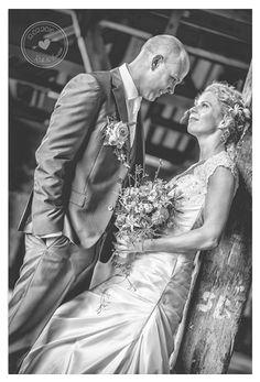 #trouwerij #trouwen #trouwfotograaf #bruiloftsfotograaf #bruiloftfotograaf #bruidspaar #bruidsfotografie #bruid #bruidegom #fotografie #photography #fotoshoot