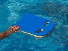 4 Swimming Drills to Perfect Your Stroke. For Armando's Triathlon. Swimming Workouts For Beginners, Cycling For Beginners, Swim Workouts, Bike Workouts, Cycling Tips, Cycling Workout, Road Cycling, Swimming Drills, Swimming Tips