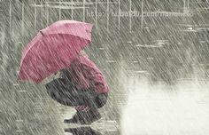 Image for Gambar Animasi Hujan Deras Pakai Payung Galau