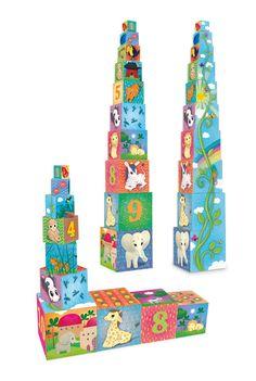 Cubes gigognes en carton.