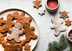 vegan christmas cookies Weihnachtspltzchen Heres a Recipe for Vegan Gingerbread Cookies Youll Use Every Holiday Vegan Gingerbread Cookies, Vegan Christmas Cookies, Gingerbread Dough, Vegan Christmas Dinner, Christmas Baking, Xmas Food, Holiday Cookies, Holiday Baking, Christmas 2019