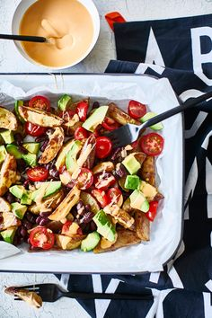 Texmex-perunapelti | Maku Pasta Salad, Cobb Salad, Tex Mex, Kung Pao Chicken, Ethnic Recipes, Food, Crab Pasta Salad, Meal, Eten
