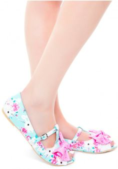 My wedding shoes! Cute Shoes Flats, Peep Toe Flats, Sock Shoes, Me Too Shoes, Shoe Boots, Flat Shoes, Pin Up Style, My Style, Cute Bridesmaid Dresses