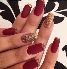 Red Matte Nails, Red And Gold Nails, Burgundy Nails, Red Gold, Color Nails, Matte Black, Red Nail Art, Red Burgundy, Black Nails