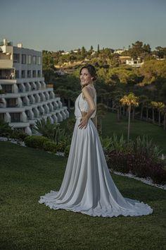6 destinos para Elopement Wedding fora do Brasil | Aonde Casar Destination Wedding Algarve, Bridesmaid Dresses, Wedding Dresses, Look, Destination Wedding, Fashion, Grey Scarf, Navy Blue Suit, Wedding Venues