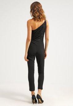 167ab71d352a Mit diesem Jumpsuit wirst du zum Hingucker. Guess VENETIA - Jumpsuit - noir  für 125