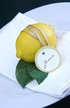 Poinsettia Groves is endlessly delighted with the craft and decorating ideas we find on Pinterest. This is a simple place holder make out of a lemon. How lovely it is!