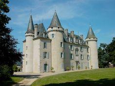 Château de Nexon, Haute-Vienne. #Limousin Limousin, French Castles, Château Fort, Castle House, Castle In The Sky, Fairytale Castle, Beaux Villages, Grand Homes, French Chateau