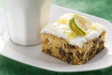 Feijoa date cake (yes, I'm going to town with the feijoa recipes.) - Feijoa date cake (yes, I'm going to town with the feijoa recipes. Date Scones, Sweet Recipes, Cake Recipes, Yummy Treats, Sweet Treats, Good Food, Yummy Food, Fun Food, Pineapple Guava