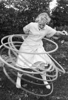Top 10 Toys of the 1950s: Hula Hoop - Old Photo Archive - Vintage Photos and Historical Photos