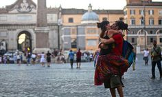 Photographer Documents People Kissing Around The World