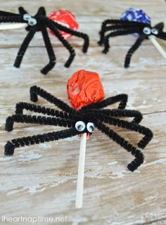 Spider Suckers- easy to make and so fun for the kids