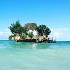 Zanzibar. Lunch in the middle of the Indian Ocean. Totally bizarre and amazing. #katiekimetravels @therockzanzibar