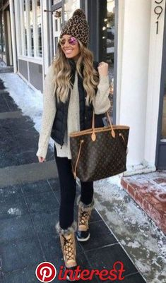 42 Trending Casual Winter Women Outfits To Look Fantastic, Winter Outfits,Winter is the coldest season beginning from December to February in the northern side of the equator and in the southern half of the globe from June t. Casual Winter Outfits, Cute Fall Outfits, Winter Snow Outfits, Winter Wear, Winter Dresses, Women's Casual, Cozy Winter, Winter Shoes, Casual Fall